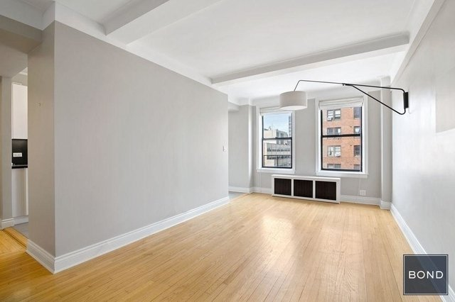 2 Bedrooms, Gramercy Park Rental in NYC for $5,395 - Photo 2