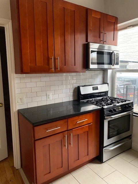 3 Bedrooms, Jackson Heights Rental in NYC for $2,600 - Photo 1