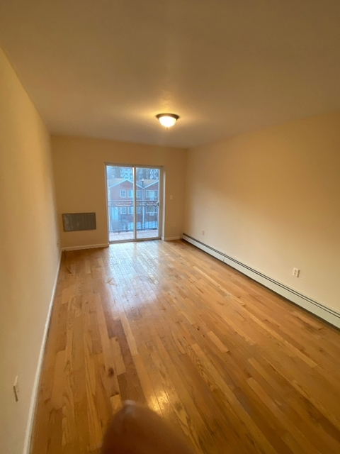3 Bedrooms, Co-Op City Rental in NYC for $2,300 - Photo 2