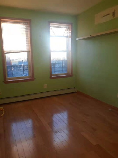 3 Bedrooms, Borough Park Rental in NYC for $2,100 - Photo 2