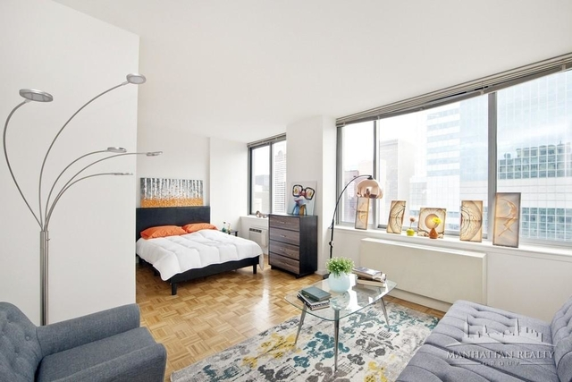 Studio, Theater District Rental in NYC for $2,890 - Photo 1