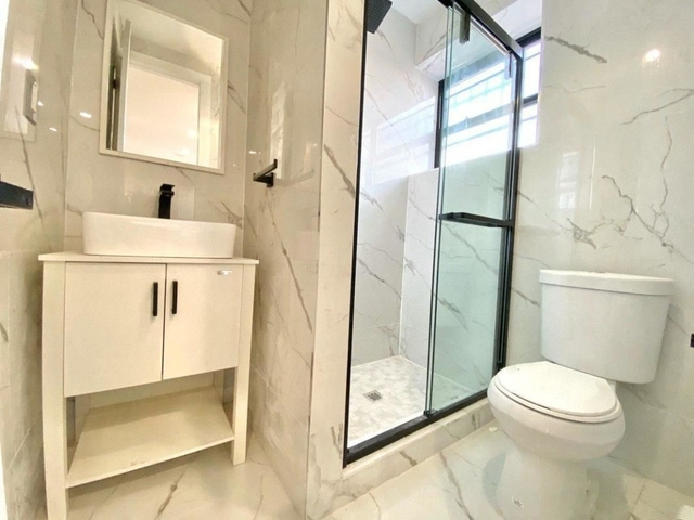 2 Bedrooms, Prospect Heights Rental in NYC for $3,666 - Photo 2