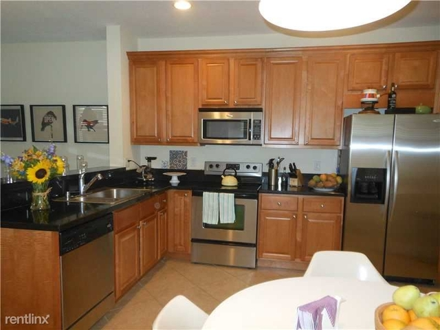 3 Bedrooms, South Middle River Rental in Miami, FL for $2,200 - Photo 2