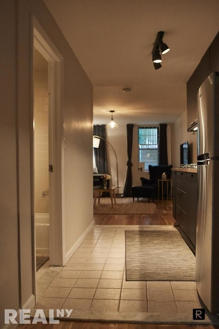 1 Bedroom, Two Bridges Rental in NYC for $3,800 - Photo 2