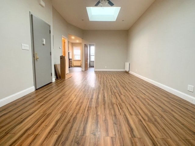 3 Bedrooms, Bay Ridge Rental in NYC for $2,399 - Photo 2