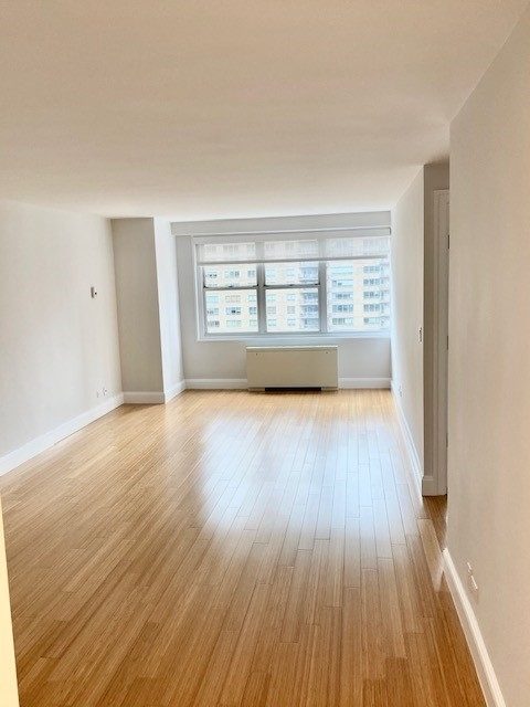 1 Bedroom, Lincoln Square Rental in NYC for $4,020 - Photo 1