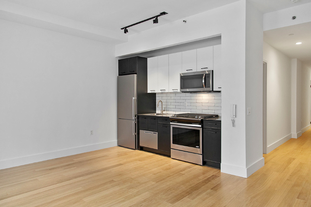 Studio, Financial District Rental in NYC for $2,814 - Photo 2