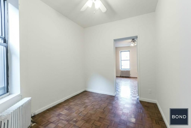 3 Bedrooms, Yorkville Rental in NYC for $2,825 - Photo 2
