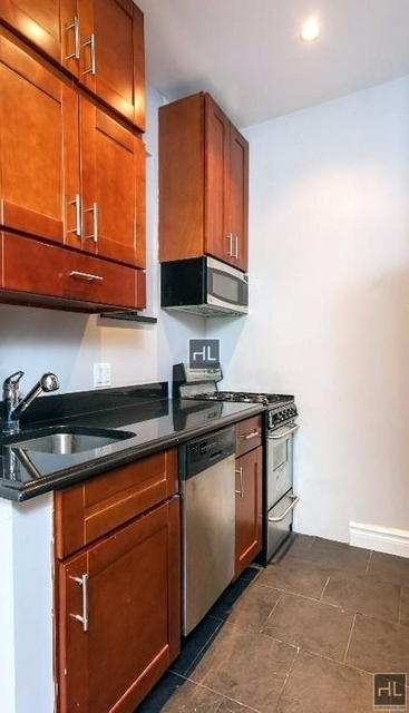 2 Bedrooms, Rose Hill Rental in NYC for $3,843 - Photo 2