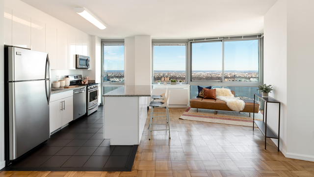 2 Bedrooms, Hell's Kitchen Rental in NYC for $3,746 - Photo 1