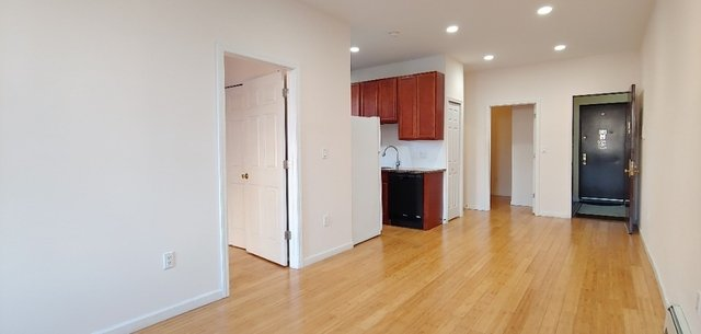 2 Bedrooms, Borough Park Rental in NYC for $2,000 - Photo 2
