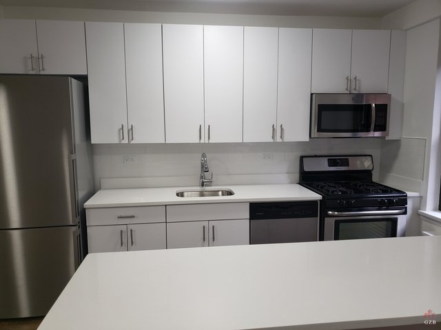 2 Bedrooms, Midtown East Rental in NYC for $4,700 - Photo 2