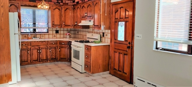 3 Bedrooms, Ocean Parkway Rental in NYC for $2,495 - Photo 2