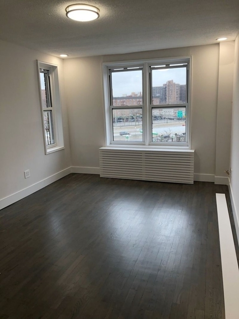2 Bedrooms, South Corona Rental in NYC for $2,300 - Photo 1