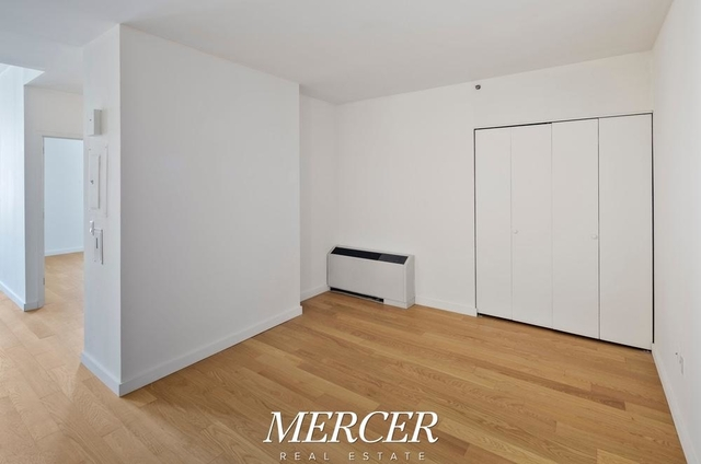 Studio, Financial District Rental in NYC for $3,428 - Photo 1