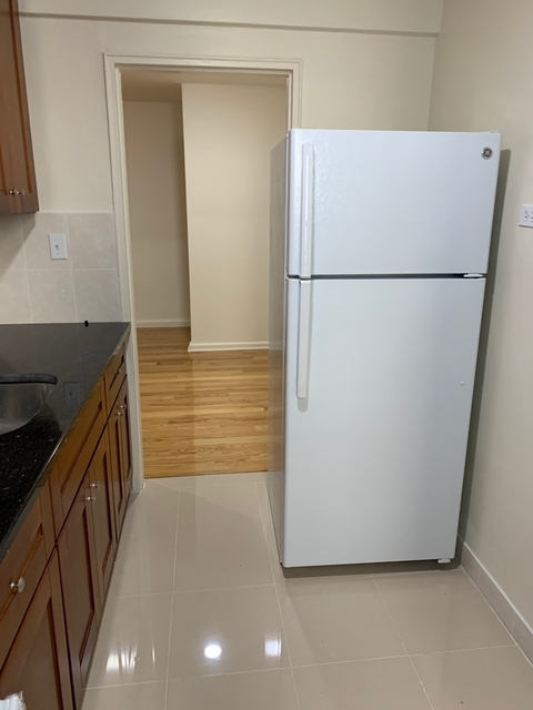 2 Bedrooms, Briarwood Rental in NYC for $2,200 - Photo 2