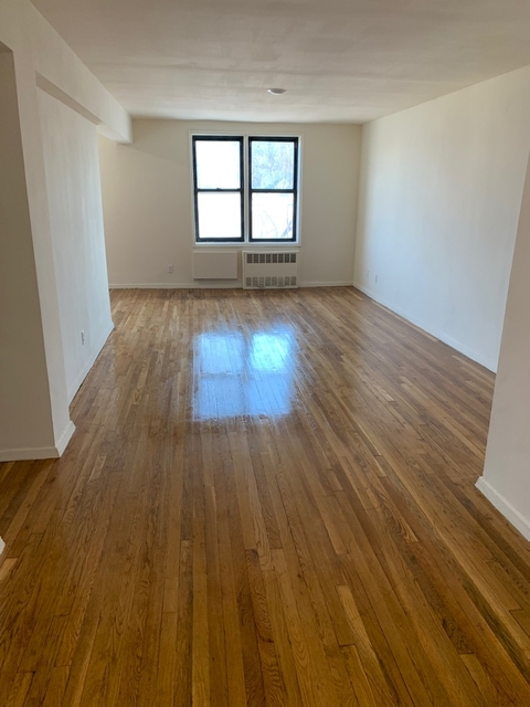 2 Bedrooms, Murray Hill, Queens Rental in NYC for $2,200 - Photo 2