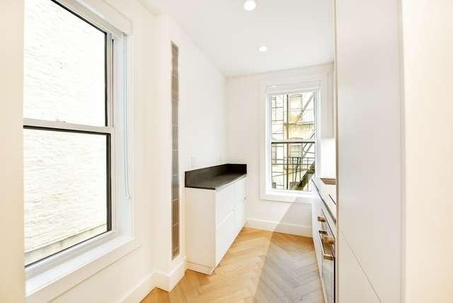 2 Bedrooms, South Slope Rental in NYC for $3,267 - Photo 2