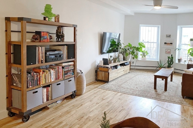 3 Bedrooms, Crown Heights Rental in NYC for $4,000 - Photo 2