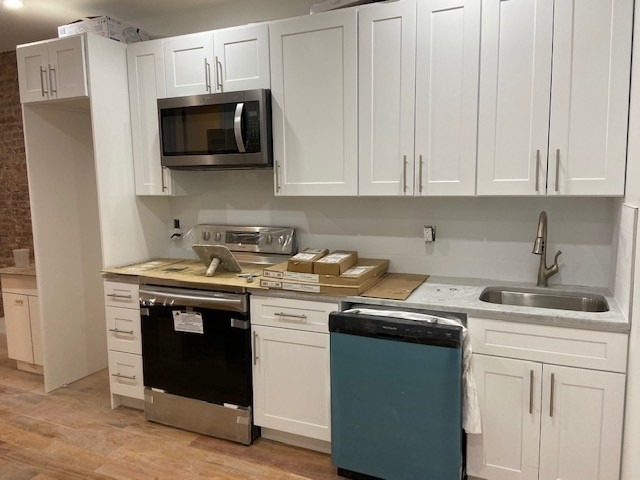 3 Bedrooms, Crown Heights Rental in NYC for $3,837 - Photo 2