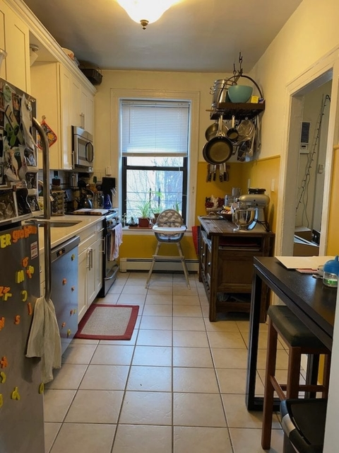 2 Bedrooms, Ditmars Rental in NYC for $2,800 - Photo 2