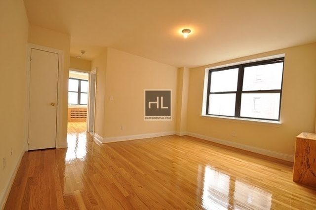 3 Bedrooms, Jackson Heights Rental in NYC for $2,695 - Photo 1