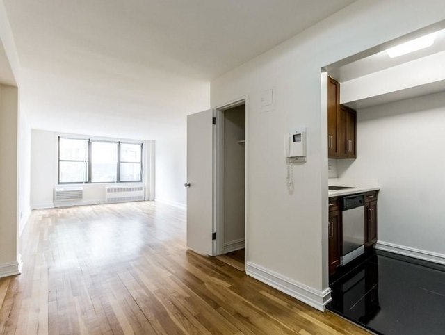 2 Bedrooms, West Village Rental in NYC for $5,250 - Photo 1