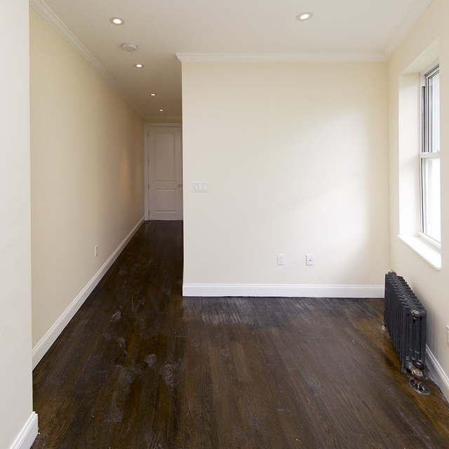 2 Bedrooms, Alphabet City Rental in NYC for $3,333 - Photo 2