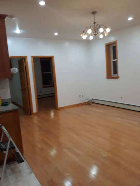 3 Bedrooms, Dyker Heights Rental in NYC for $2,500 - Photo 1