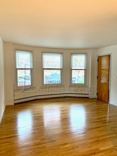 2 Bedrooms, Astoria Rental in NYC for $2,799 - Photo 2