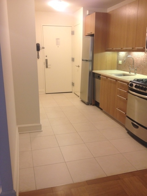 Studio, Lincoln Square Rental in NYC for $2,690 - Photo 2
