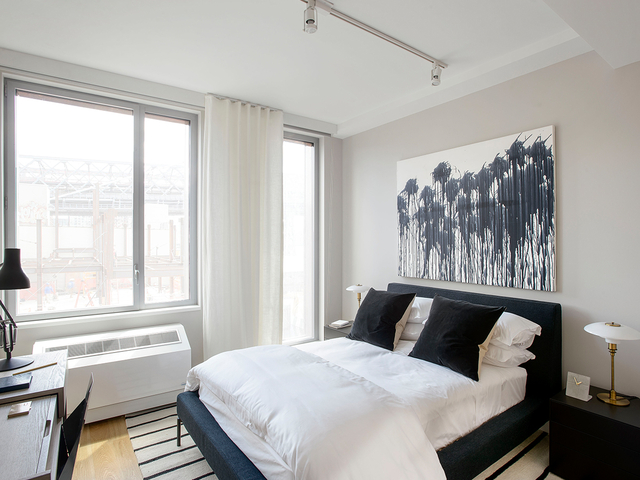 2 Bedrooms, Williamsburg Rental in NYC for $6,365 - Photo 1