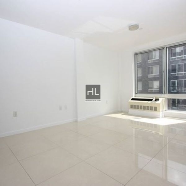 3 Bedrooms, Wingate Rental in NYC for $3,090 - Photo 2