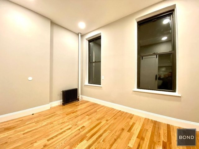 1 Bedroom, East Village Rental in NYC for $2,700 - Photo 2