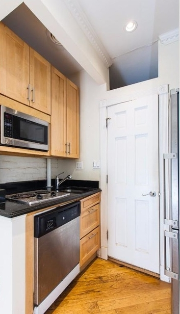 1 Bedroom, East Village Rental in NYC for $2,770 - Photo 2