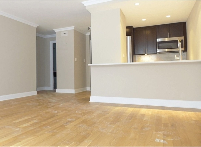 2 Bedrooms, Tribeca Rental in NYC for $5,592 - Photo 2