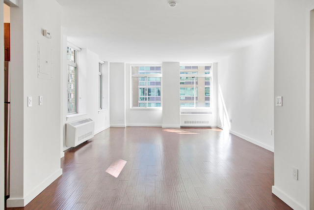 1 Bedroom, Financial District Rental in NYC for $3,378 - Photo 2