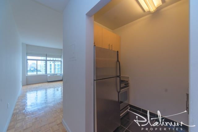 Studio, Financial District Rental in NYC for $2,733 - Photo 1