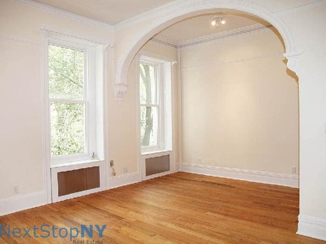 Studio, Lenox Hill Rental in NYC for $2,492 - Photo 2