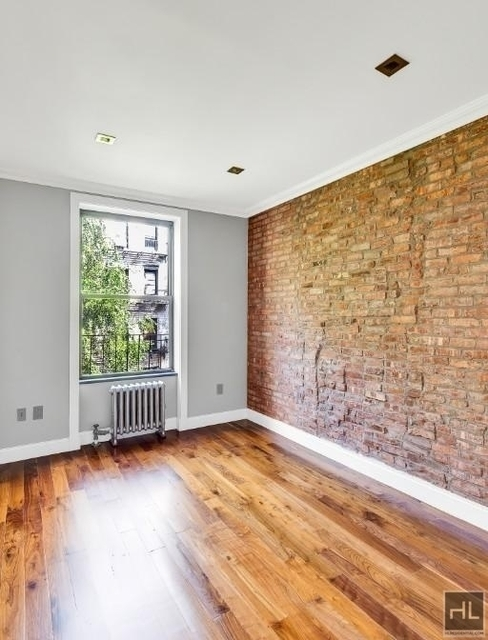 2 Bedrooms, Sutton Place Rental in NYC for $3,895 - Photo 2