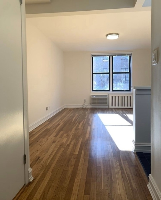 Studio, Chelsea Rental in NYC for $2,950 - Photo 2