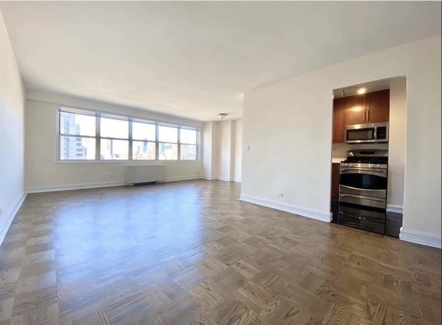 2 Bedrooms, Theater District Rental in NYC for $5,450 - Photo 2