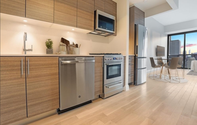 Studio, Theater District Rental in NYC for $2,984 - Photo 1