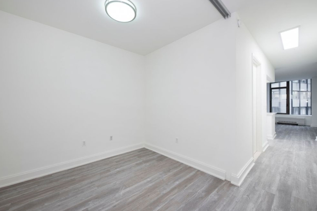 Studio, Financial District Rental in NYC for $3,389 - Photo 2