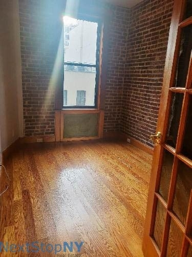 2 Bedrooms, Turtle Bay Rental in NYC for $3,508 - Photo 2