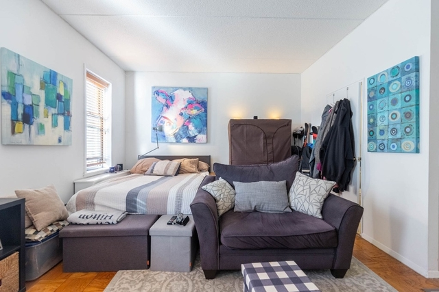 Studio, Chelsea Rental in NYC for $3,300 - Photo 2