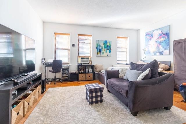 Studio, Chelsea Rental in NYC for $3,300 - Photo 2