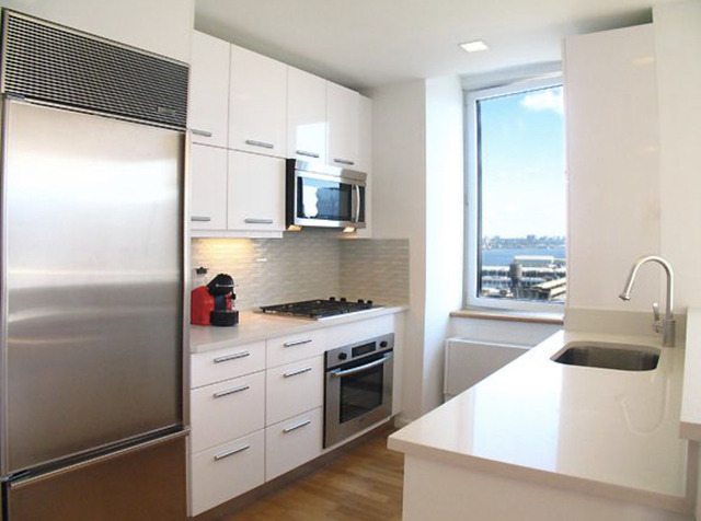 2 Bedrooms, Hell's Kitchen Rental in NYC for $1,800 - Photo 1