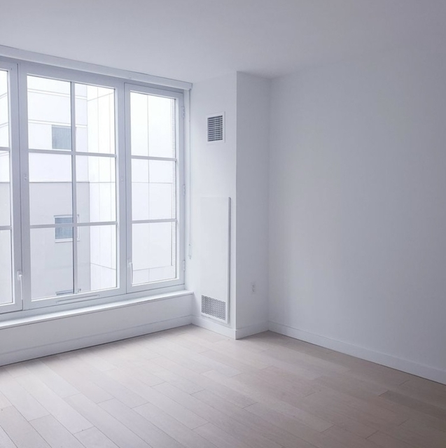 1 Bedroom, Hell's Kitchen Rental in NYC for $4,705 - Photo 2