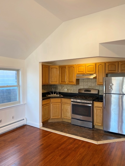 2 Bedrooms, Harding Park Rental in NYC for $1,650 - Photo 1